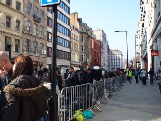 Dedicated queuers on London's streets eagerly await the iPad 2