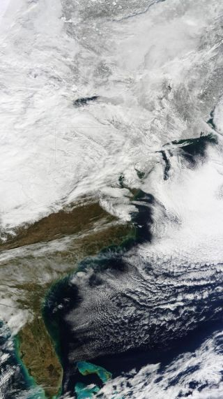 northeast-snow-storm-satellite-view-110128-02