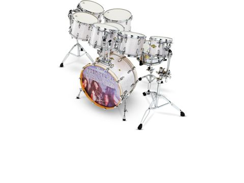 This expansive nine-piece set features drum sizes specified by Ian himself