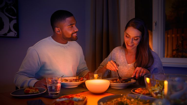 Philips Hue Go at the dinner table