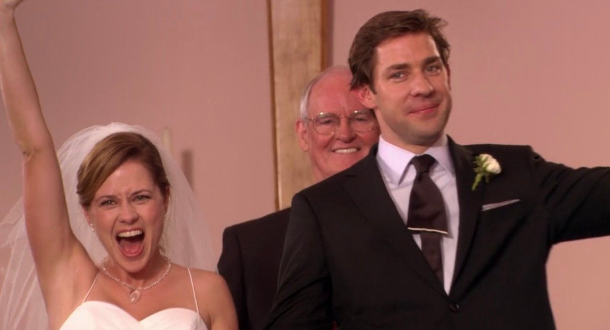 Jim and Pam just married in The Office Niagara