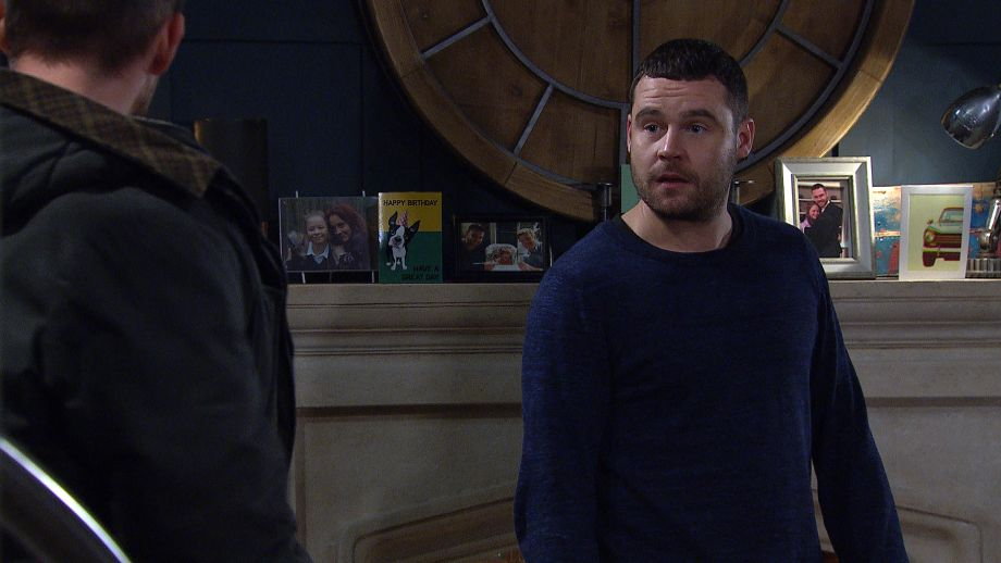 Pete tells Aaron Dingle Rebecca won't let Seb visit anymore in Emmerdale