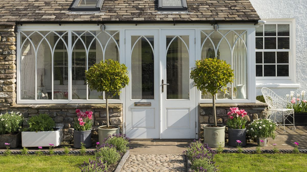 12 cottage porch ideas – design inspiration for a cozy, welcoming entrance
