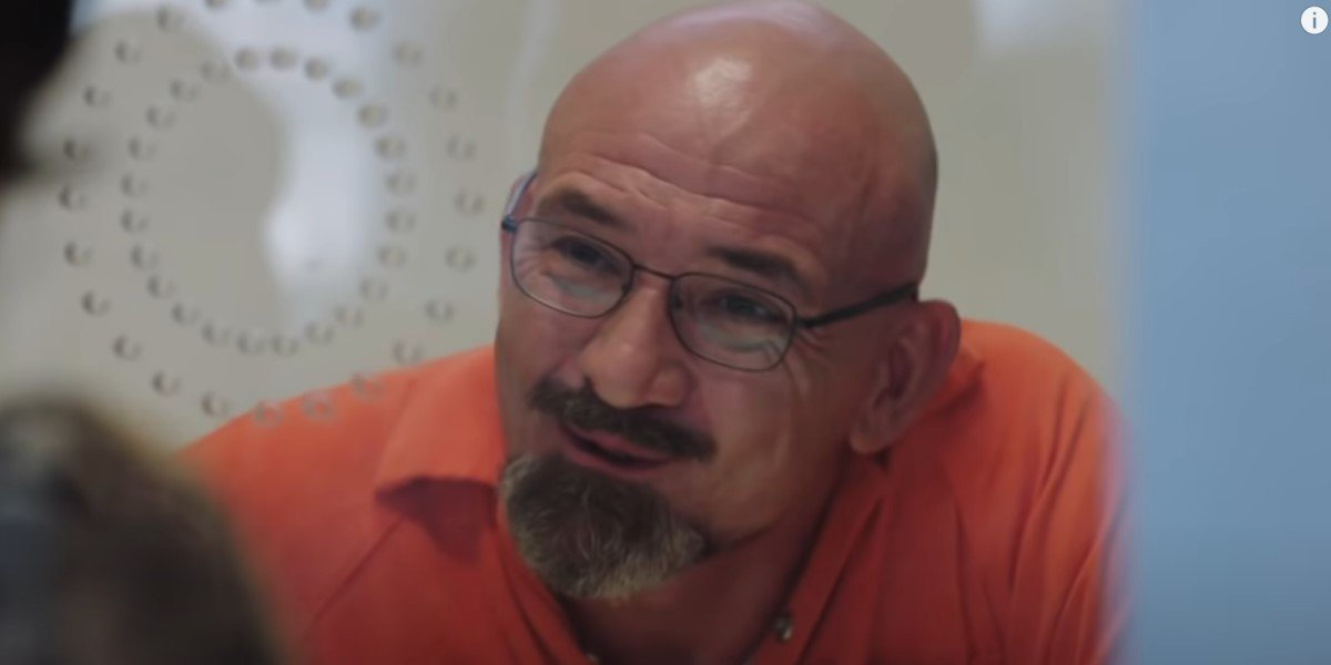 ritchie coster in jail on happy!