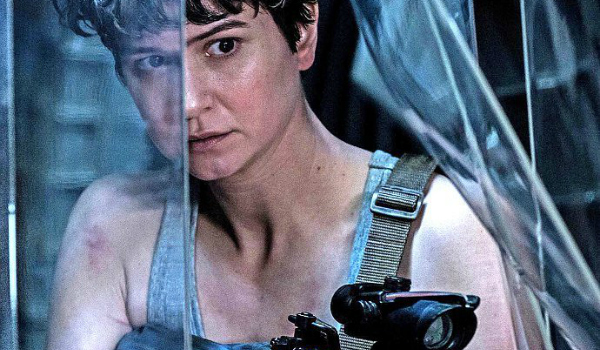 Which Alien Film Fans Should Watch Right Before Alien: Covenant, According To Katherine Waterston