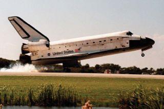 space-shuttle-landing-02