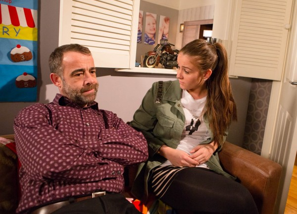 Sophie voices her concerns to dad Kevin (ITV)