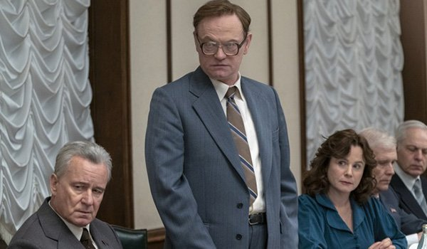 Stellan Skarsgård as Boris Shcherbina, and Jared Harris as Valery Legasov at the trial in HBO's mini