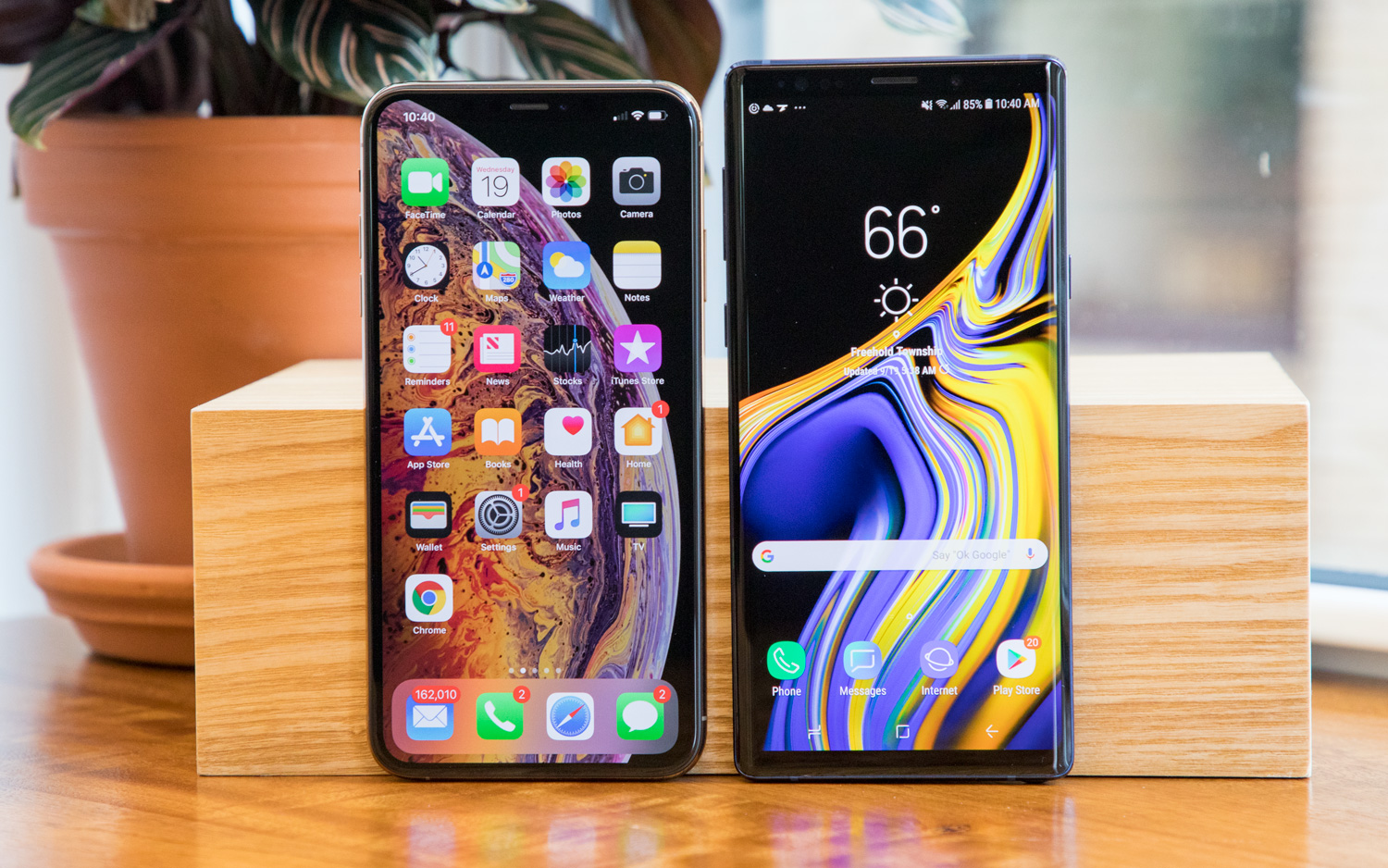 iPhone XS Max vs Galaxy Note 9: Which Big-Screen Phone Wins
