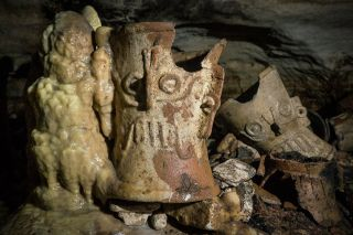 balamku cave chichen itza