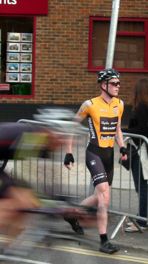 Ed Clancy after crash, Tour Series 2011, round seven