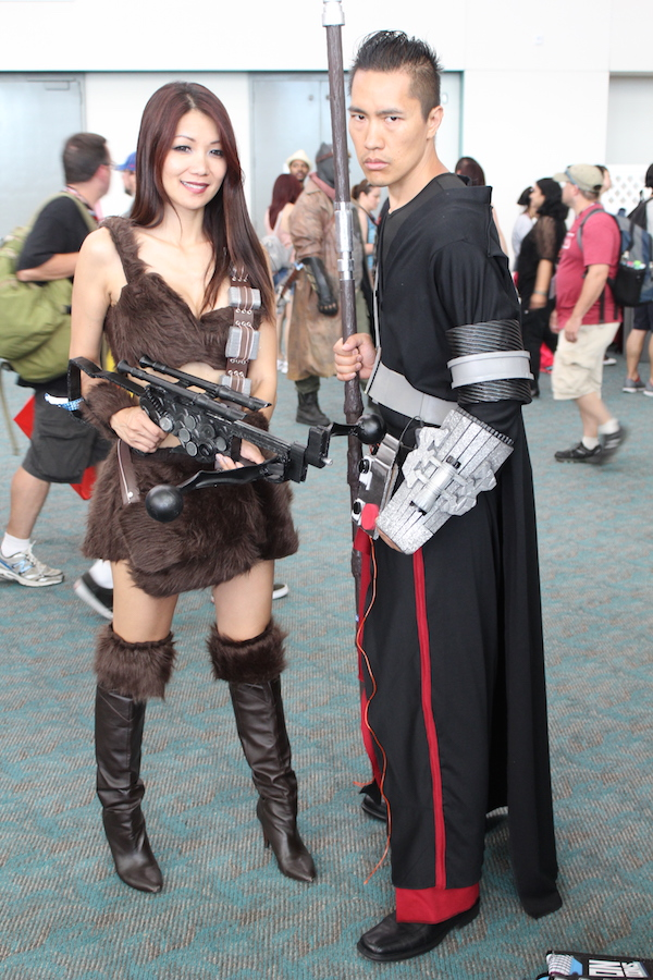 SDCC costume crossbow