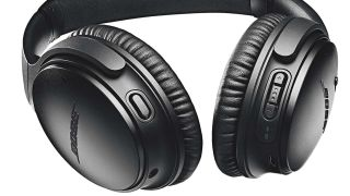 Cyber Monday Bose Headphones deal