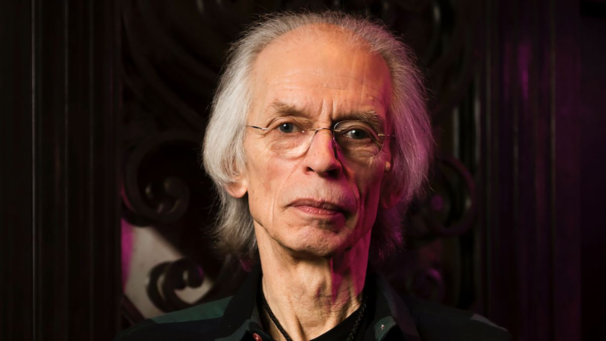 Steve Howe confirms Louder Than Words literary festival appearance