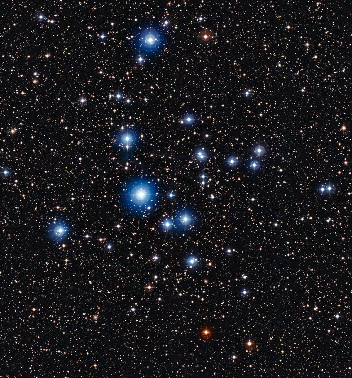 Young Blue Stars Shine in Cosmic Photo | Space