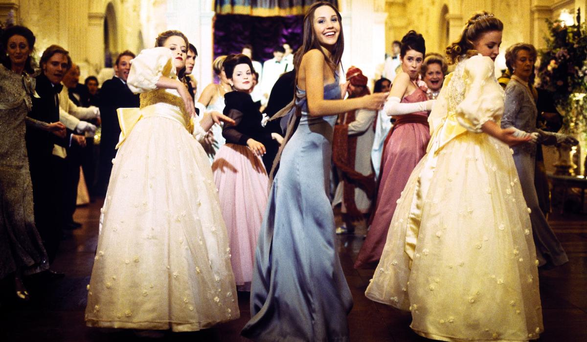 What A Girl Wants Amanda Bynes dances in a dress
