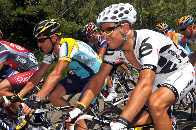 Thor Huovd and Lance Armstrong on stage three of the 2009 Tour de France