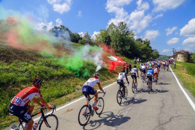 Italian fans salute on stage ten of the 2016 Giro d'Italia