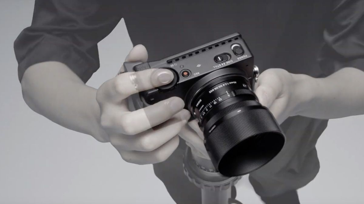 Sigma Fp Super Small Full Frame Mirrorless Camera Is