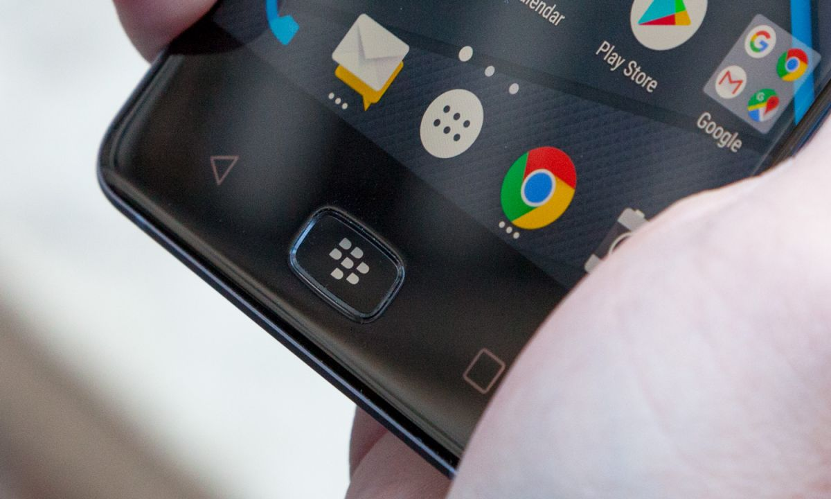 BlackBerry Motion Review: A Very Particular Set of Skills