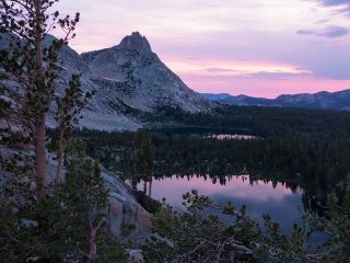 Yosemite Lake sunset