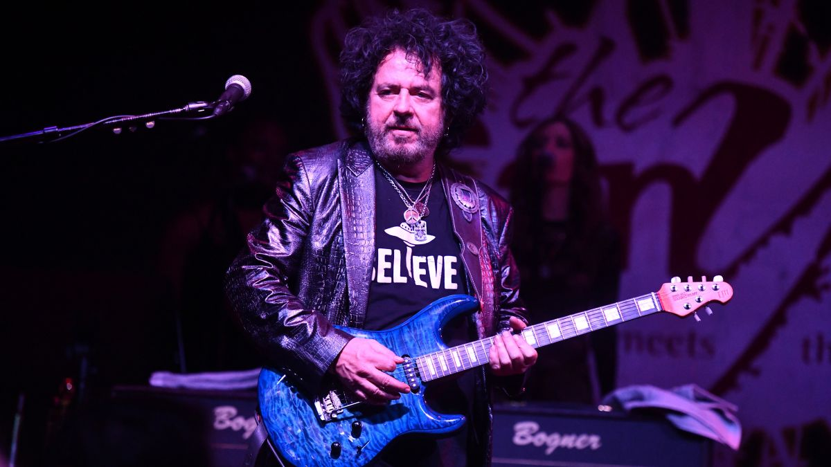 "Steve Lukather on guitar tab: ""Why would you learn that if you can learn how to read music?"""