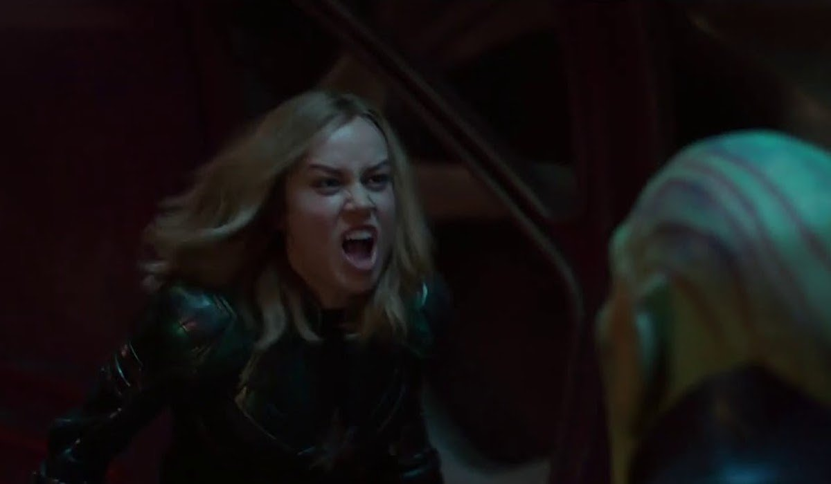 Captain Marvel yelling at Skrull in 2019 movie