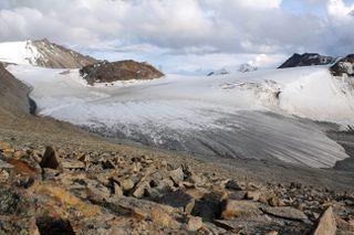 An image of a glacier