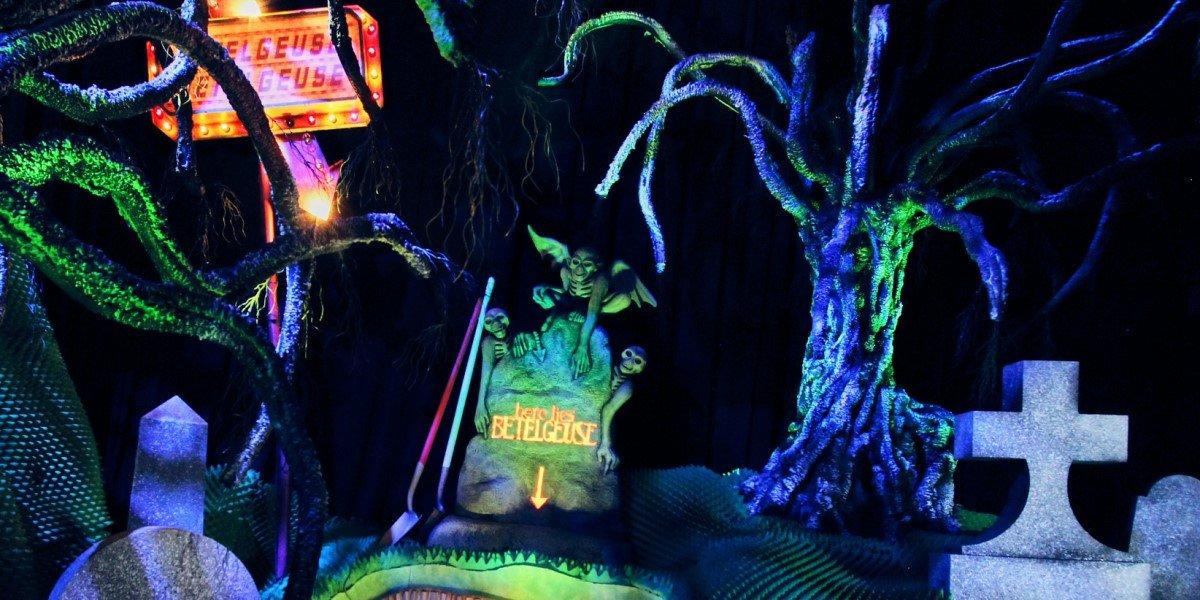 beetlejuice graveyard scene at universal orlando's halloween horror nights