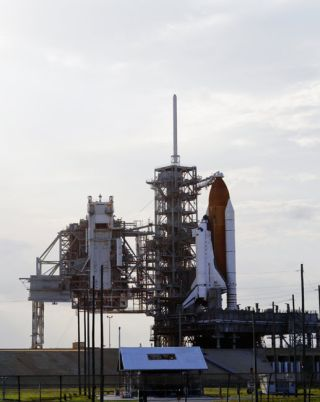NASA to Try For Monday Space Shuttle Launch