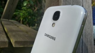 Plastic Samsung Galaxy S4 costs more to make than iPhone 5