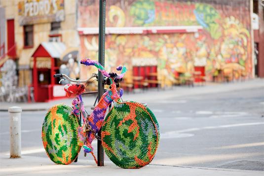 Street art: Guerrilla Crochet