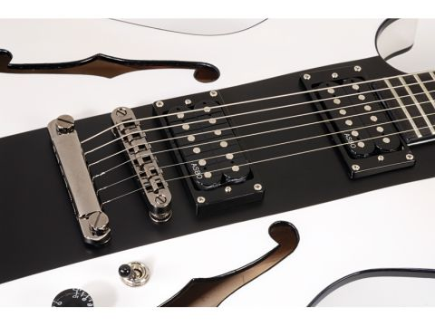 The black racing stripe is really complimented by the open humbuckers