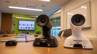 Panasonic has begun shipping the ultra-wide-angle lens AW-UE4 compact 4K pan/tilt/zoom camera.