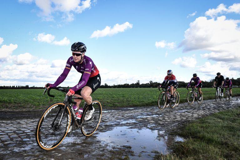 SD Worx doing their recon of Paris-Roubaix Femmes 2021