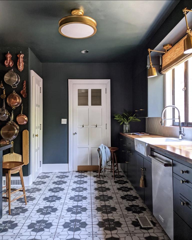 Dark kitchen makeover- Ruth Jackson