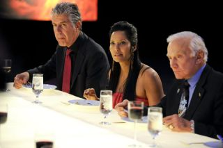 "Anthony Bourdain, Padma Lakshmi and Buzz Aldrin dining during the ""Space Food"" episode of Top Chef."