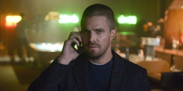 elseworlds crossover oliver queen stephen amell the cw
