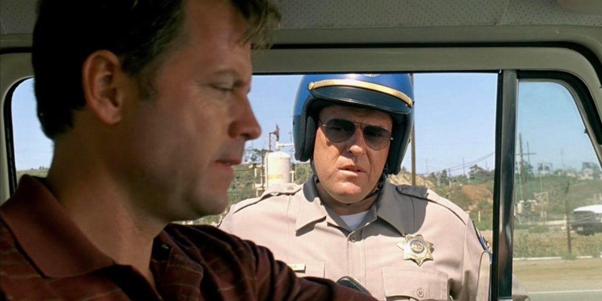 Greg Kinnear and Dean Norris in Little Miss Sunshine