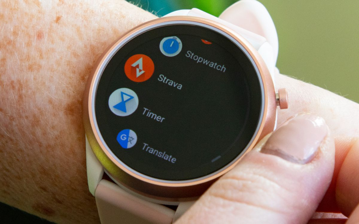 Fossil Sport Review: New Wear OS Chip, Same Wear OS Problems