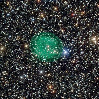 glowing green planetary nebula