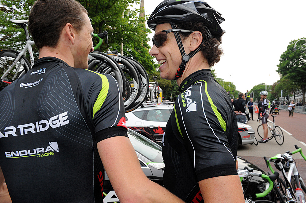 Rob Partridge congratulates Alexandre Blain, Tour Series 2010, round 5, Southport