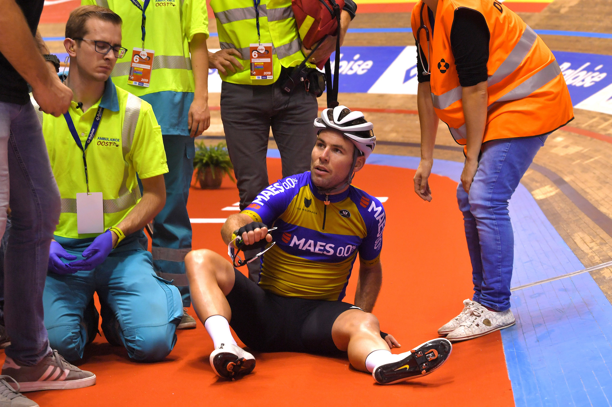 Mark Cavendish crashes at 70km/h during opening night of Ghent Six Day