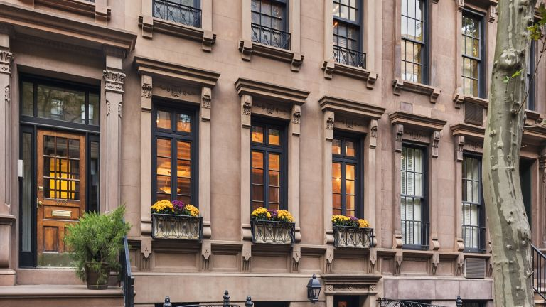 Walter Cronkite's house, brownstone exterior in NYC