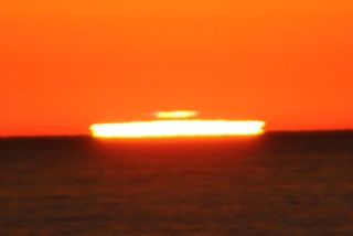 Dual Green Flash 1 Cropped