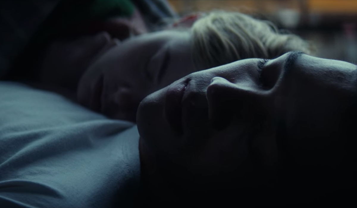 Justice Smith and Elle Fanning in All The Bright Places
