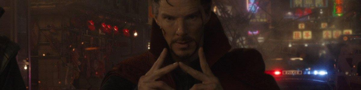 Doctor Strange (Benedict Cumberbatch) casts a spell in Doctor Strange