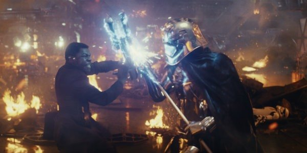 The Last Jedi finn vs captain phasma
