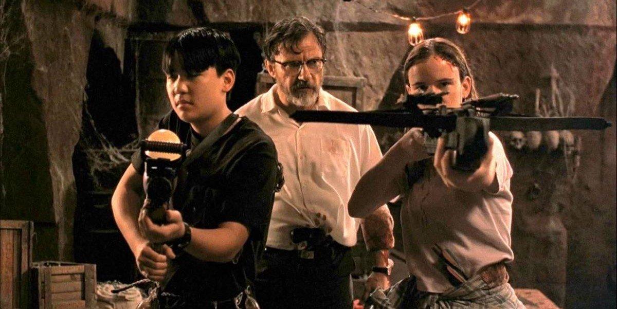 Ernest Liu, Harvey Keitel and Juliette Lewis in From Dusk Till Dawn
