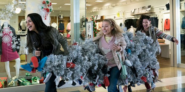 The Bad moms stealing a Christmas tree